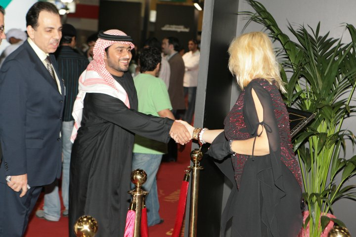 Warm welcome of Madame Sabine Balve by His Highness Sheik Nahyan from the UAE president family (1pic)