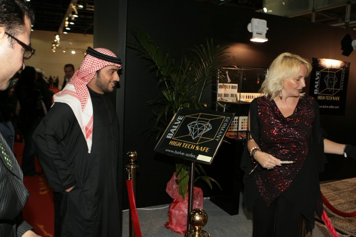 Warm welcome of Madame Sabine Balve by His Highness Sheik Nahyan from the UAE president family (3pic)